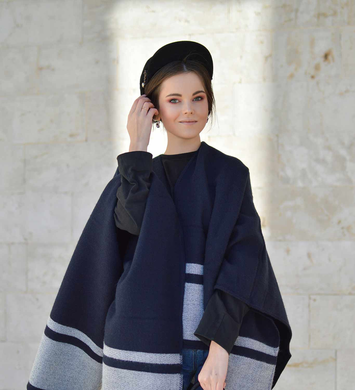 How to style a poncho?